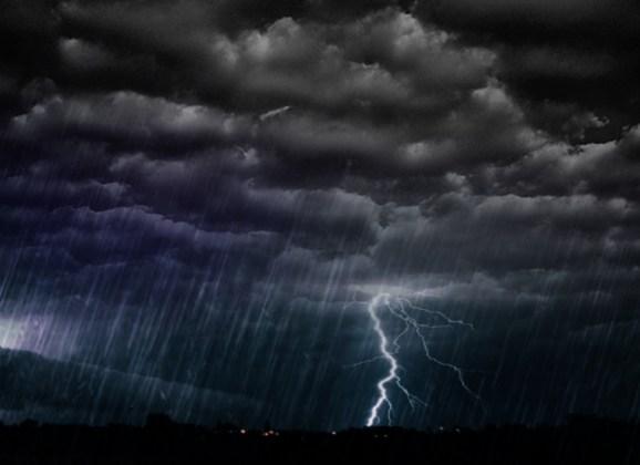 Avertizare de furtuna , astazi,  la Satu Mare