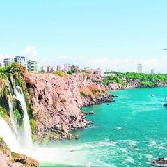 Vacanțele românilor continuă în Turcia cu sau fără lovitură de stat