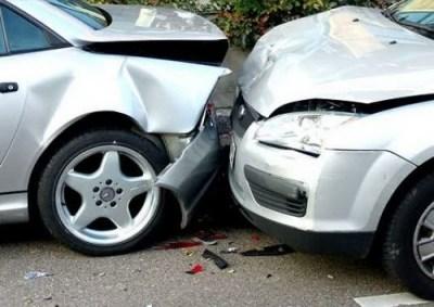 Beat la volan, un tanar a provocat un accident rutier la Negresti Oas