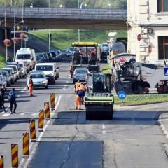 In municipiul Satu Mare se lucreaza intens la intretinerea strazilor