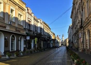 Stres pentru soferi: strada Stefan cel Mare intra in reparatii