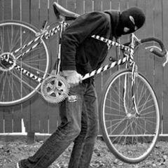 A furat o bicicletă, polițiștii l-au identificat