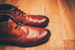 合皮を柔らかくする方法は?新しい靴が痛い人必見!
