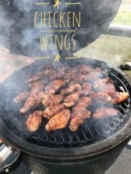 CHICKEN WINGS ON THE BIG GREEN EGG
