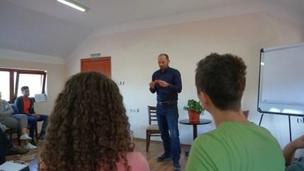 smokinya_foundation_coach-your-team-by-coaching-yourself-ka105-061179_535
