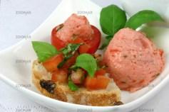 Tomatenmousse und Crostini © Liz Collet