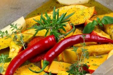 Kürbis, Kartoffeln und Chili © Liz Collet