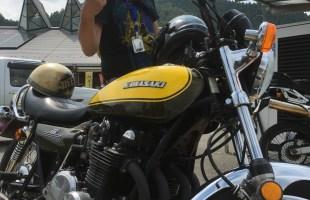 バイク 逆行 逆光