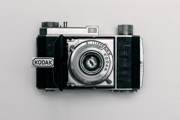 Vieil appareil photo argentique kodak