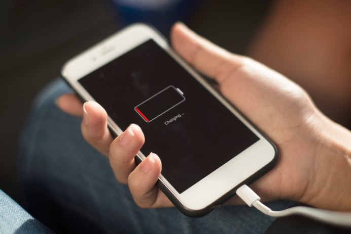pile téléphone déchargée recharge