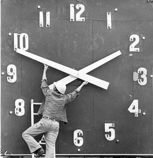 Daylight Saving Time Resumes March 12, 2017