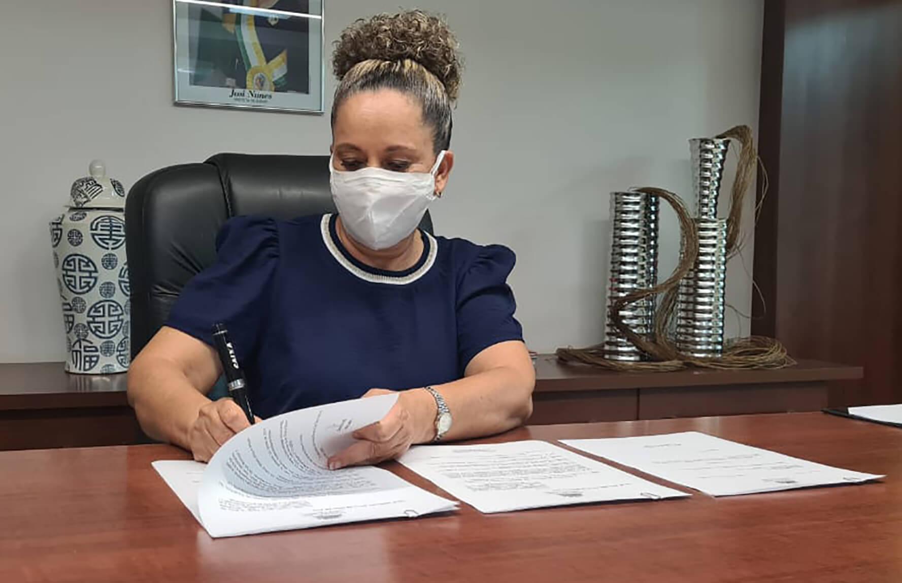 Prefeita Josi Nunes sanciona Leis que concedem recomposição salarial aos servidores efetivos de Gurupi