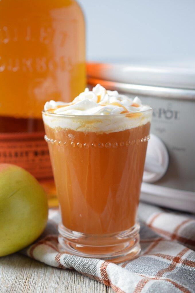 Slow Cooker Hot Bourbon Caramel Apple Cider