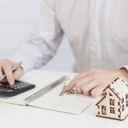 zájem o hypotéky mírně klesá
