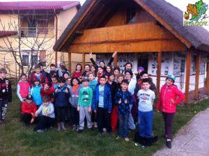 04.04.2015 - Scoala Lexis - Activitate Plantare copaci