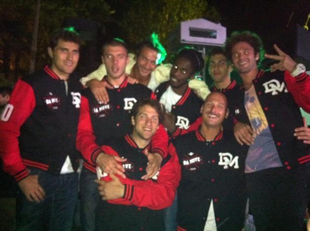 Badda with his Basketball Freestyle Crew - Da Move