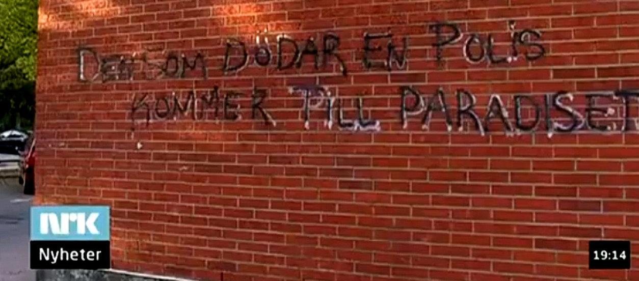 Klottrat på en vägg i ett invandrarområde i Göteborg