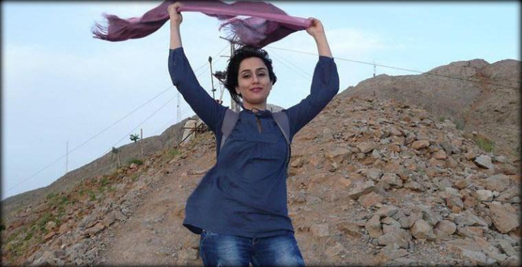 1-Iranian-Women-Shed-Veil-021788176854