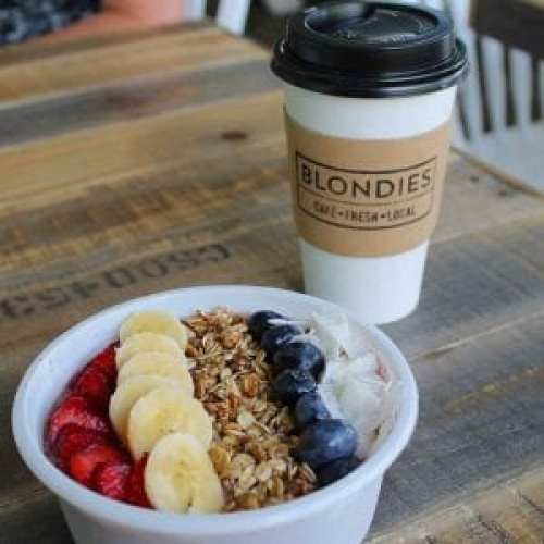 Smoothie Bowl at Blondies Cafe, Sicamous, B.C.