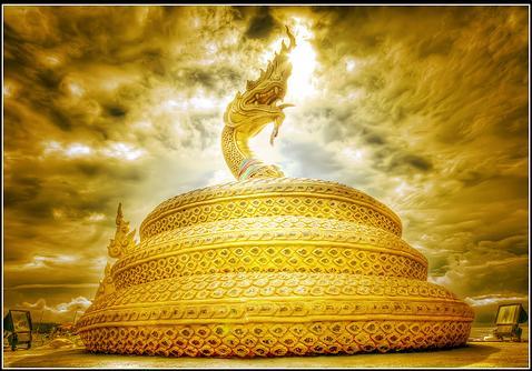 snake-fountain-king-throne-control-oli-paambugal