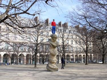 1% climbing. 2013, set of photos, 15 x 20 cm, Paris / 1% climbing. 2013, photographies, 15 x 20 cm, Paris