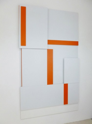 A BOUT DE SOUFFLE. (Compression/Decompression). 2014, lacquer on MDF, 240 x 140 cm / A BOUT DE SOUFFLE. (Compression/Décompression) 2014, laque sur MDF, 240 x 140 cm