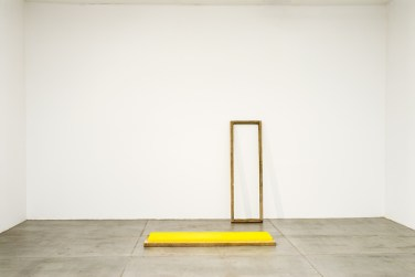 Light Object - Yellow. 2011, beeswax, pigment, wood, dimensions variables, 60 x 19 x 4 inches / Light Object - Yellow. 2011, cire d'abeille, pigments, bois, dimensions variables, 60 x 19 x 4 pouces