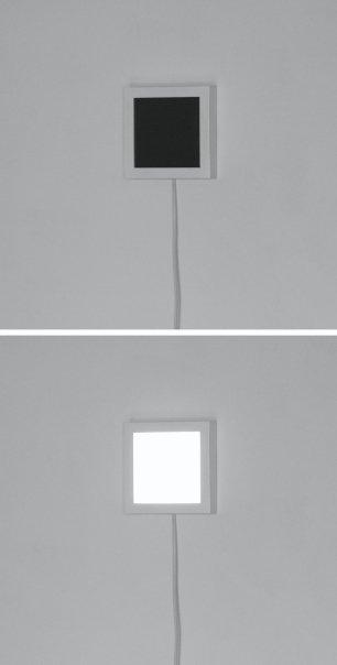 Microbruit d'horizon. 2007 -2008, pavé lumineux à leds 13 cm, circuit électronique (R-Pix) / Microbruit d'horizon. 2007 - 2008, pavé lumineux à leds 13 cm, circuit électronique (R-Pix)