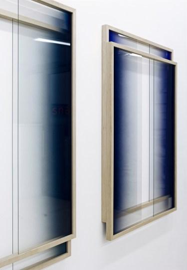 Untitled. 2015, spray paint on glass, frame, 94 x 135 x 7 cm / Sans titre. 2015, peinture aérosol sur verre, cadre, 94 x 135 x 7 cm