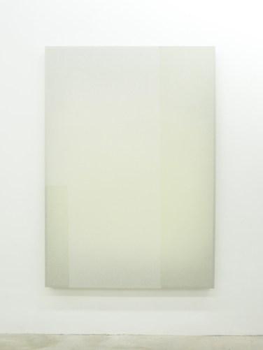 UNTITLED. 2015, wood, fabric, spray paint, 130 x 185 cm / SANS TITRE. 2015, bois, tissu, peinture, 130 x 185 cm