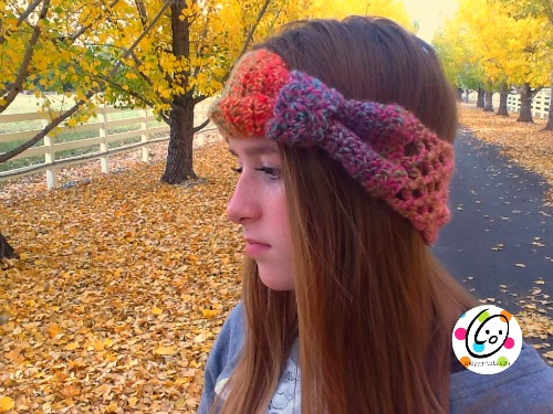 Sunday Mornings Headbad free crochet headband.