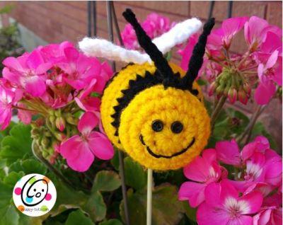 Free Pattern: Bee Happy Stuffie