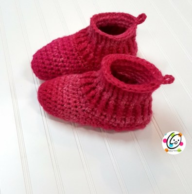 Free Pattern: Infinitely Happy Feet