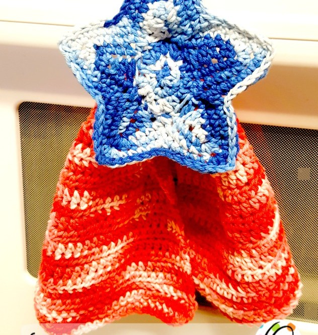 Free Pattern: Patriotic Hanging Hand Towel