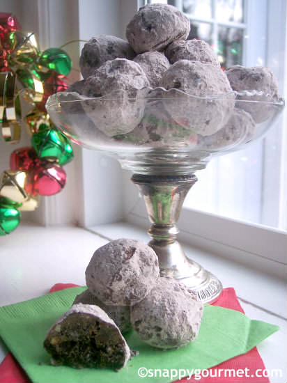 Mexican Chocolate Snowball Cookies Recipe | SnappyGourmet.com