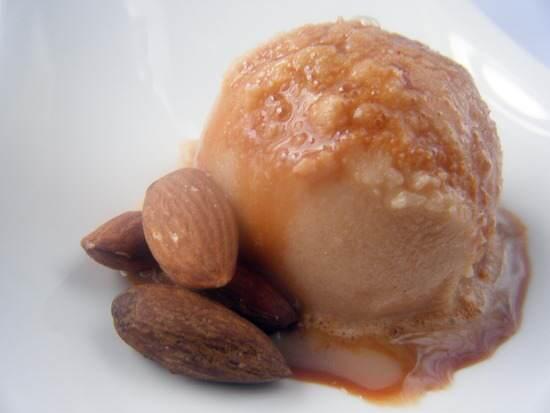 Amaretto Caramel Snow Ice Cream   snappygourmet.com