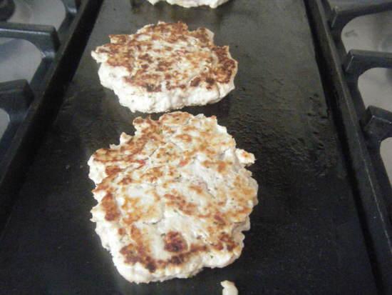 Tomato & Basil Mediterranean Chicken Burgers Recipe | SnappyGourmet.com