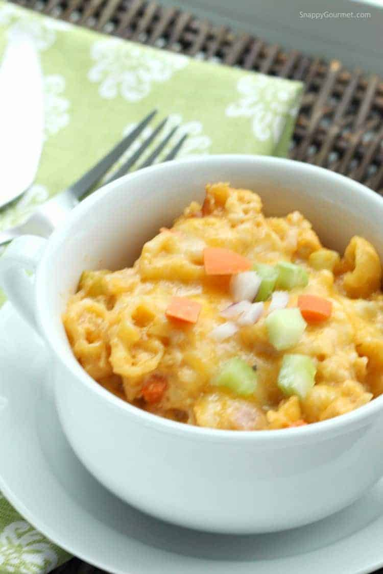 Buffalo Chicken Mac and Cheese (Crockpot) Recipe - Easy slow cooker chicken and pasta