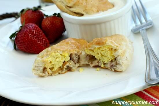 Breakfast Empanadas with Smoky Cheese Dip Recipe | SnappyGourmet.com