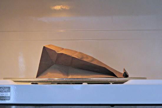 Italian Brown Paper Bag Popcorn (Homemade Microwave Popcorn) | SnappyGourmet.com