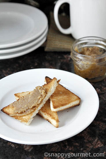 Cinnamon Vanilla Roasted Walnut Butter | snappygourmet.com
