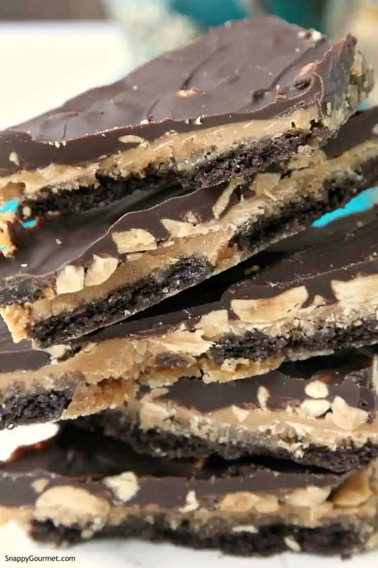 Crack Bars Recipe (Chocolate Peanut Butter Toffee Crackers) - an easy graham cracker toffee recipe with chocolate and peanut butter. SnappyGourmet.com
