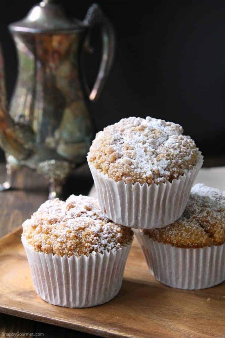 Panera Pumpkin Muffin Recipe - easy copycat recipe for their jumbo muffins! SnappyGourmet.com
