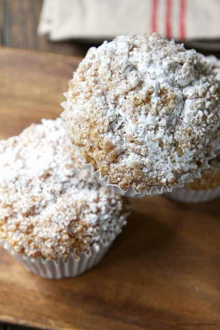 panera pumpkin muffin with crumb topping