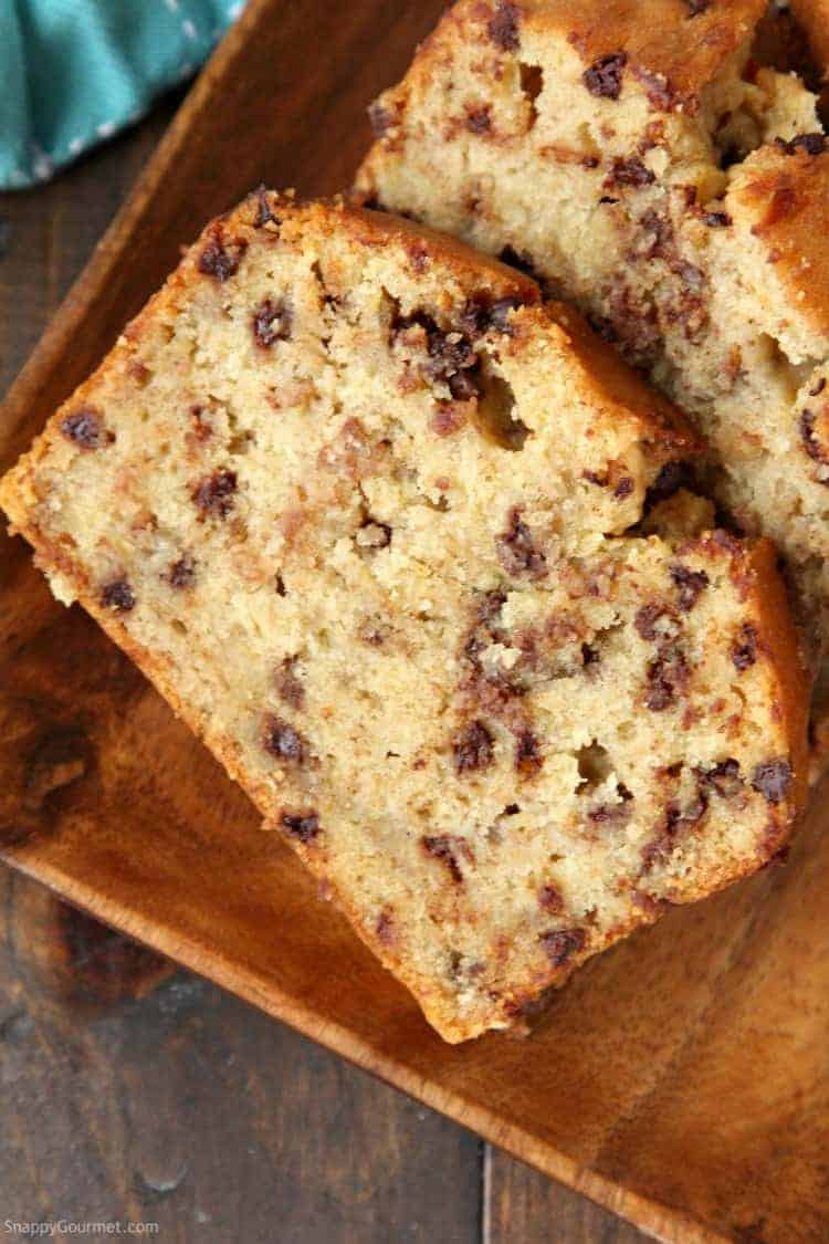 Easy Chocolate Chip Banana Bread Recipe - How to make the best banana bread with chocolate chips
