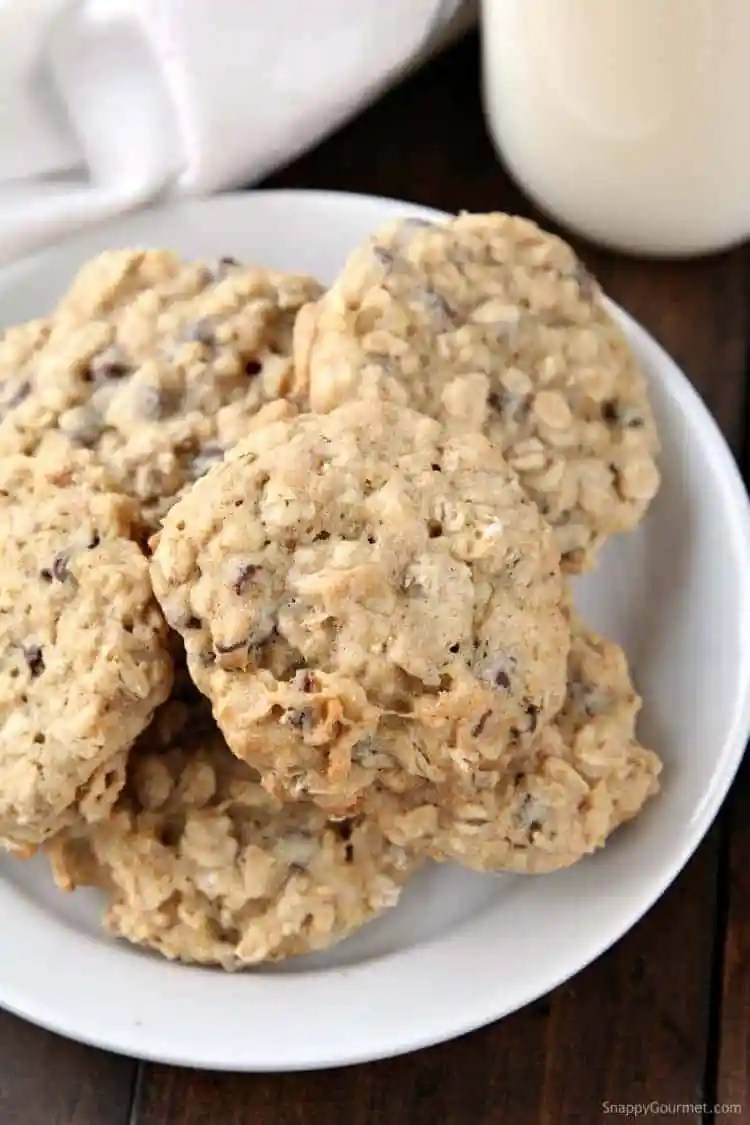 Banana Oatmeal Cookies Recipe with Chocolate Chips and Walnuts -soft and chewy homemade oatmeal cookies