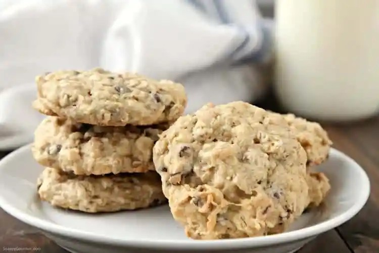 Banana Oatmeal Cookies Recipe with Chocolate Chips and Walnuts - how to make the best chewy oatmeal cookies