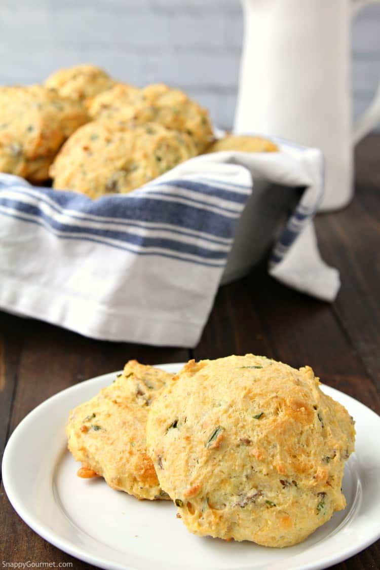 Homemade Cheddar, Chive, and Sausage Biscuits - how to make homemade biscuits