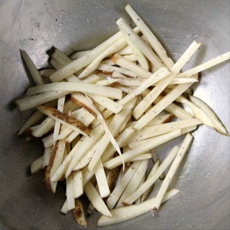Truffle Fries - seasoning fries in bowl
