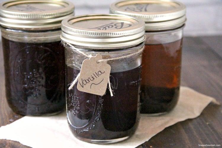 vanilla extract in mason jar
